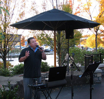 Singing Golfer for Casual Events and get togethers