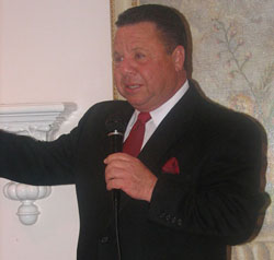 Singing Golfer for Formal Events and Receptions